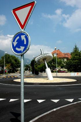 Kreisverkehr: Da dreht man durch! / © Paul-Georg Meister, pixelio.de
